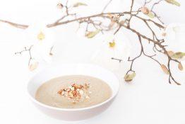 Witte bieten- en amandelsoep - Soepiemonster